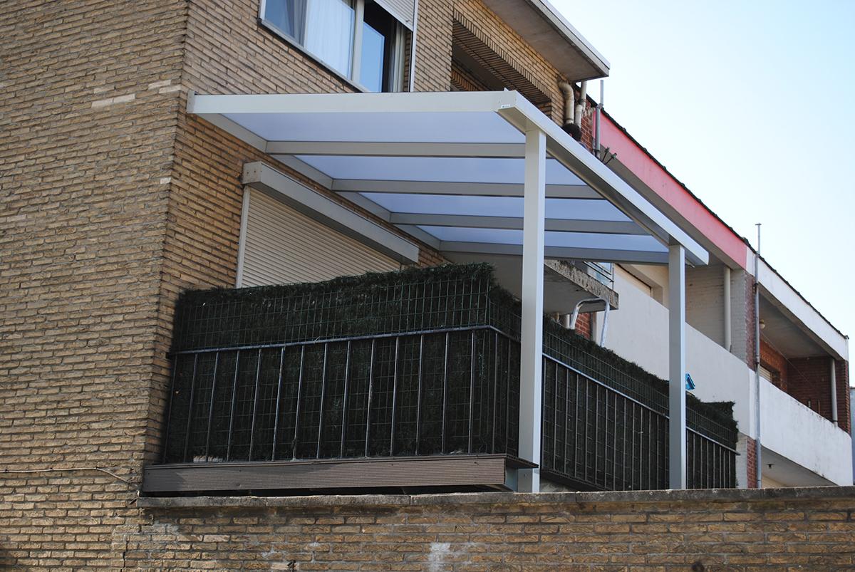 Deurne terrasoverkapping uit aluminium