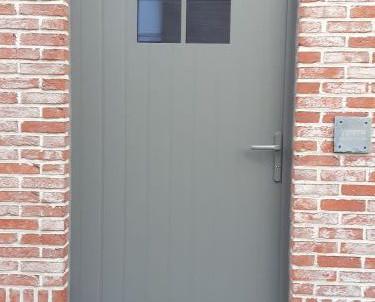 Aluminium achterdeur in cottage stijl