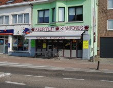 Zonnewering in winkel in Zoersel